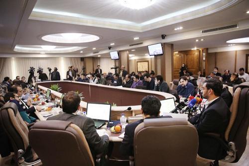 نشست-هم-اندیشی-وزیر-ارتباطات-وفناوری-اطلاعات-با-فعالان-حوزه-کسب-و-کار-های-نوپا-10