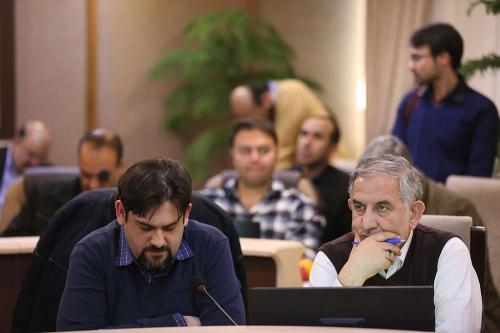 نشست-هم-اندیشی-وزیر-ارتباطات-وفناوری-اطلاعات-با-فعالان-حوزه-کسب-و-کار-های-نوپا-5