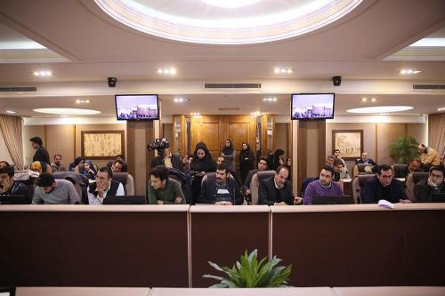 نشست-هم-اندیشی-وزیر-ارتباطات-وفناوری-اطلاعات-با-فعالان-حوزه-کسب-و-کار-های-نوپا-9